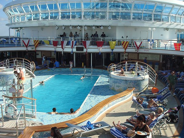 2014-02-17 Liquid Blue Band on Ruby Princess 002