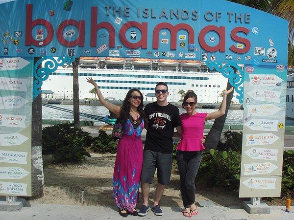 2014-02-25 Liquid Blue Band in Nassau Bahamas 002