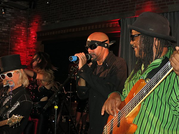 2014-05-21 Liquid Blue Band in Indianapolis IN at Mavris Center 084