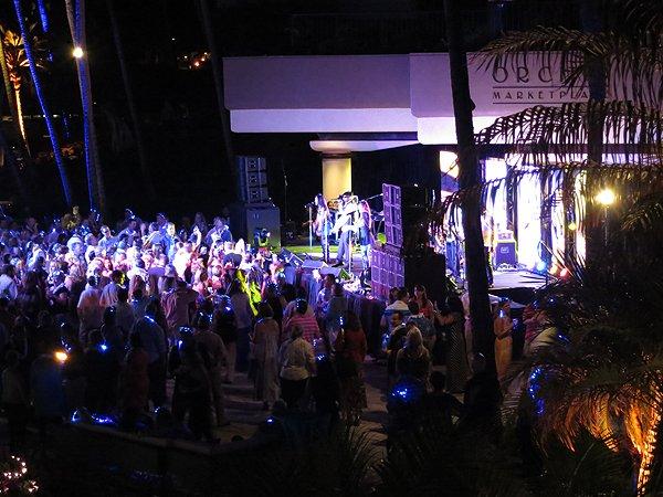 2014-11-18 Liquid Blue Band in Kona HI at Waikoloa Hilton 055