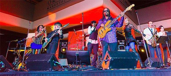 2014-11-18 Liquid Blue Band in Kona HI at Waikoloa Hilton 112