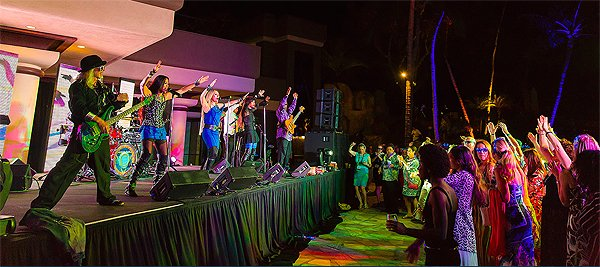 2014-11-18 Liquid Blue Band in Kona HI at Waikoloa Hilton 119