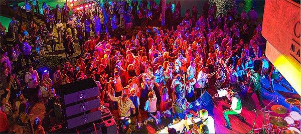 2014-11-18 Liquid Blue Band in Kona HI at Waikoloa Hilton 121