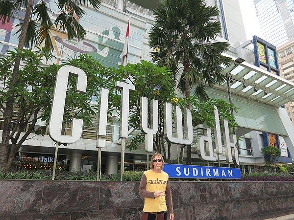 2014-11-28 Liquid Blue Band In Jakarta Indonesia 001