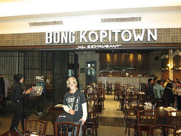 2014-11-28 Liquid Blue Band In Jakarta Indonesia 002