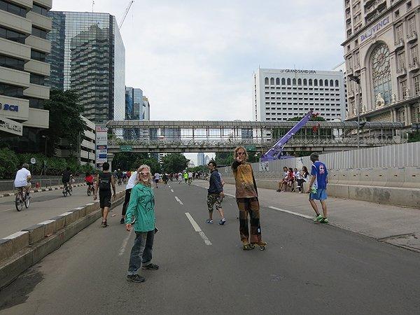 2014-11-30 Liquid Blue Band In Jakarta Indonesia 003