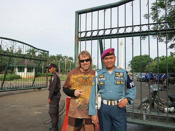 2014-12-03 Liquid Blue Band In Jakarta Indonesia 000