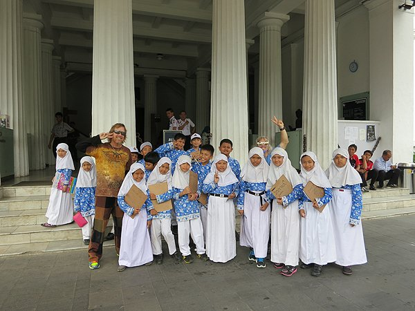 2014-12-03 Liquid Blue Band In Jakarta Indonesia National Museum 004