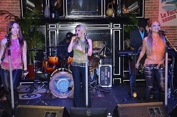 2014-12-06 Liquid Blue Band in Los Angeles CA at Warwick 024