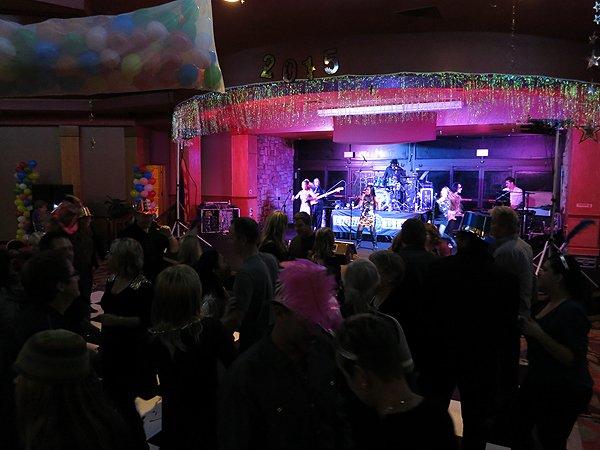 2014-12-31 Liquid Blue Band in Payson AZ at Mazatzal Casiono 015