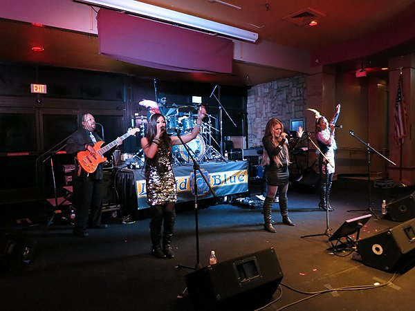 2014-12-31 Liquid Blue Band in Payson AZ at Mazatzal Casiono 063