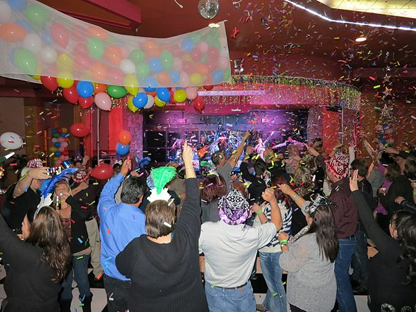 2014-12-31 Liquid Blue Band in Payson AZ at Mazatzal Casiono 083