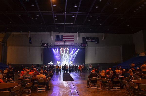 2015-06-20 Liquid Blue Band in Hot Springs AR at Hot Springs Convention Center 001