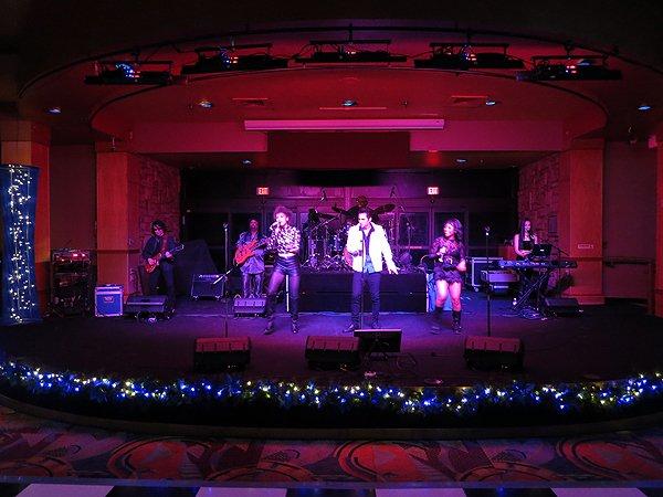 2015-12-31 Liquid Blue Band in Payson AZ at Mazatzal Casiono 02