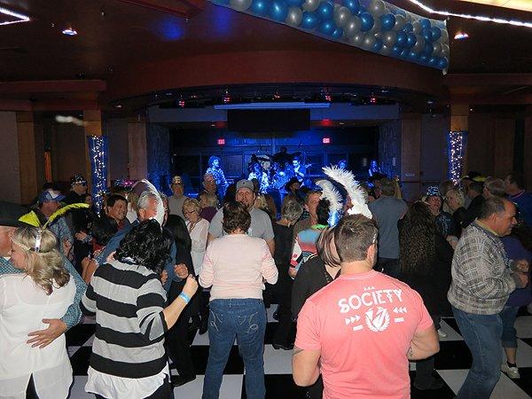 2015-12-31 Liquid Blue Band in Payson AZ at Mazatzal Casiono 28