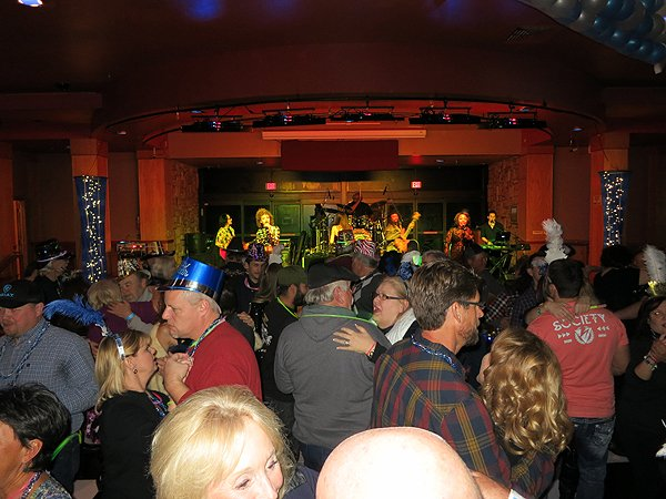 2015-12-31 Liquid Blue Band in Payson AZ at Mazatzal Casiono 35