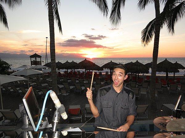 2016-01-11 Liquid Blue Band in Puerto Vallarta Mexico at Secrets Resort 011