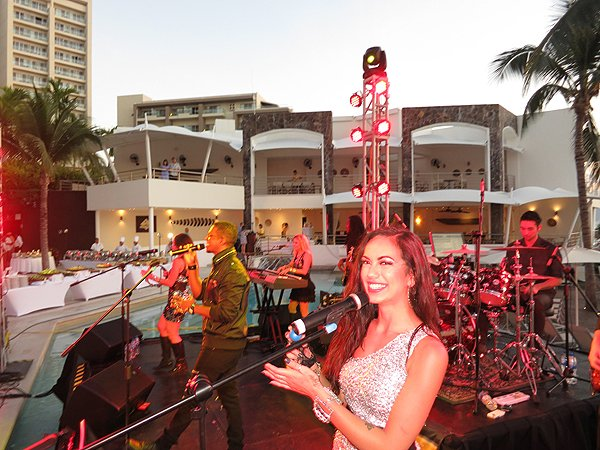 2016-01-11 Liquid Blue Band in Puerto Vallarta Mexico at Secrets Resort 018