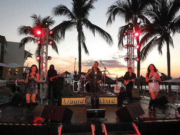 2016-01-11 Liquid Blue Band in Puerto Vallarta Mexico at Secrets Resort 021