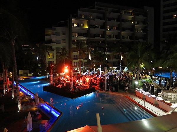 2016-01-11 Liquid Blue Band in Puerto Vallarta Mexico at Secrets Resort 198