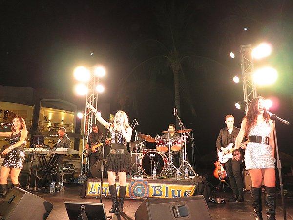 2016-01-11 Liquid Blue Band in Puerto Vallarta Mexico at Secrets Resort 240