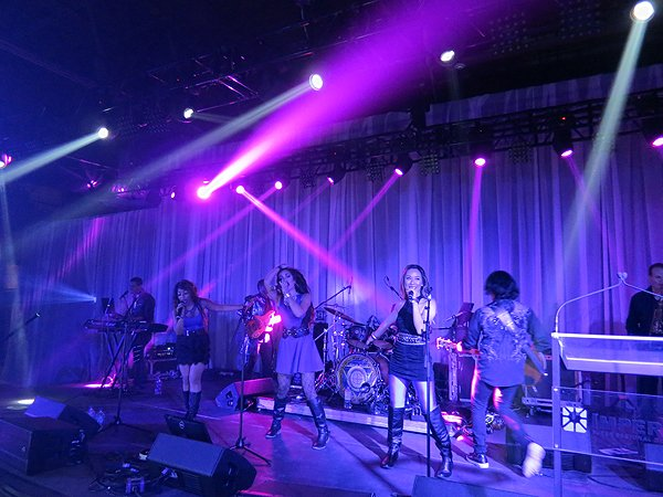2016-04-12 Liquid Blue Band in New Orleans LA at The Sugar Mill 02