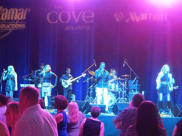 2016-05-04 Liquid Blue Band in Bahamas at Atlantis Resort 019