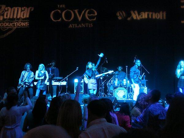 2016-05-04 Liquid Blue Band in Bahamas at Atlantis Resort 031