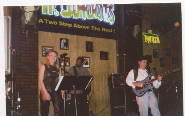 2000-02-20 SD Incahoots 000