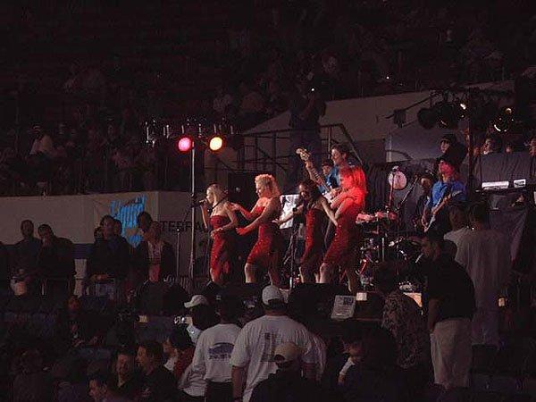 2002-04-20 San Diego CA Sports Arena 005