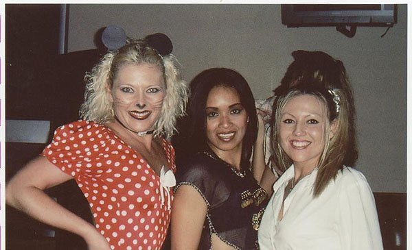 2002-10-31 Encinitas CA BlueGirls 000