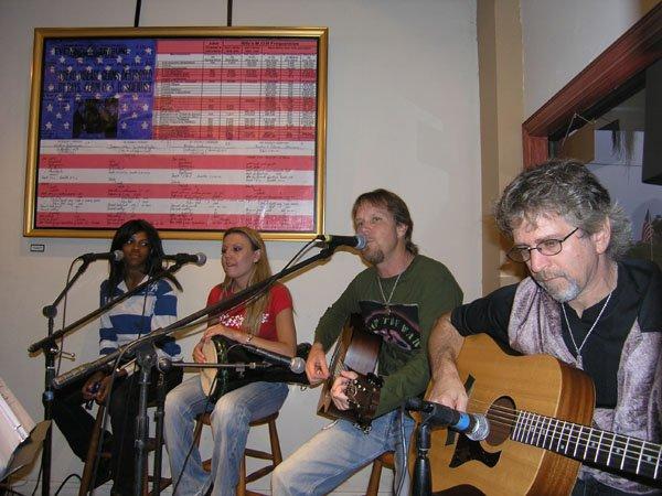 2005-07-25 EStreet Cafe 001