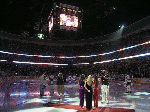 2006-02-12 Anaheim CA Arrowhead Pond 000