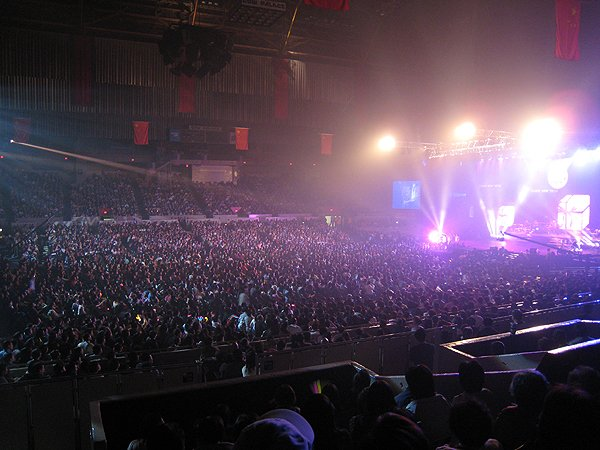 2007-03-03 San Francisco CA Cow Palace Sold Out with 13000 Fans