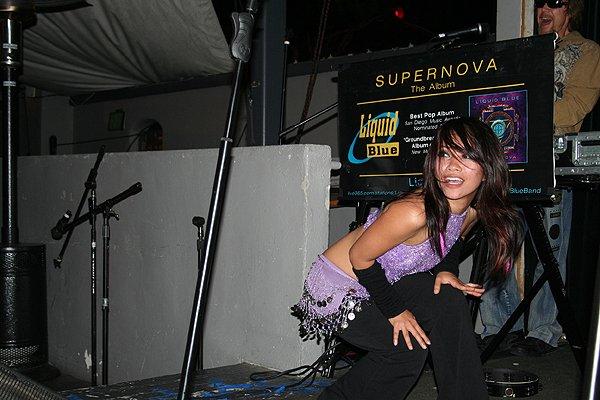 2009-05-01 Liquid Blue Band in Pasadena CA at Twin Palms 004