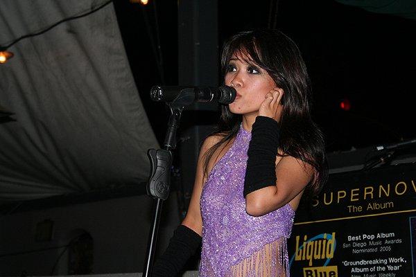 2009-05-01 Liquid Blue Band in Pasadena CA at Twin Palms 005