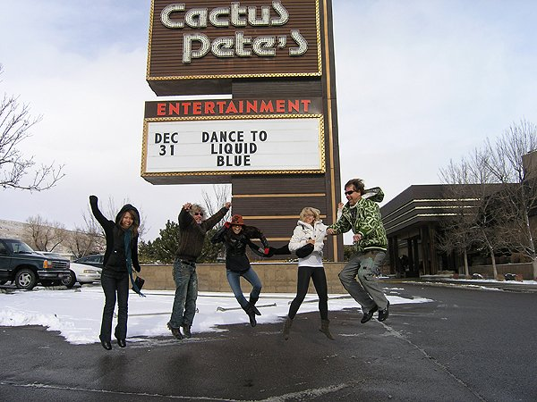 2009-12-30 Liquid Blue Band in Jackpot NV 010
