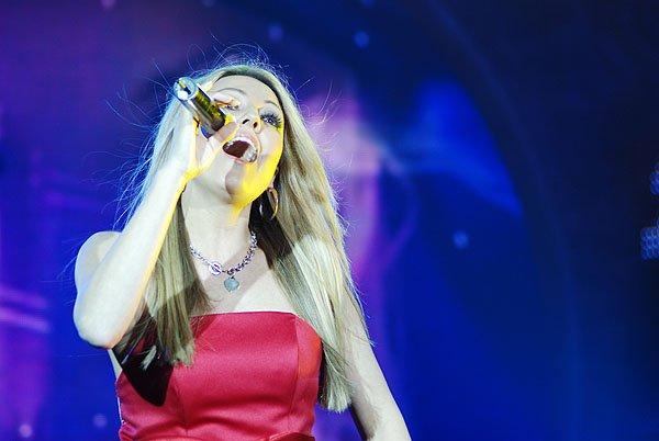 2009-12-30 Fuzhou China Mn Idol 003