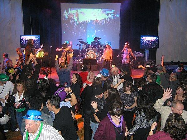 2009-12-31 Liquid Blue Band in Jackpot NV at Cactus Petes Casino 009