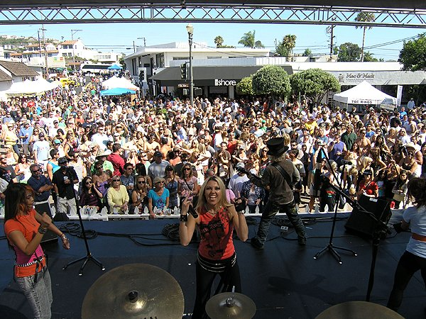 2010-08-08 Liquid Blue Band in San Clemente CA at Fiesta Street Festival 010