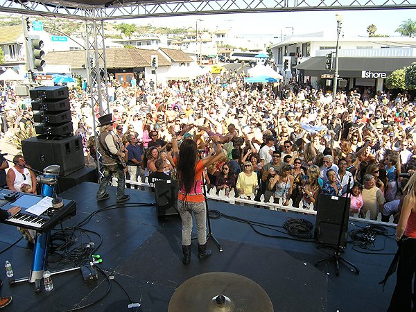 2010-08-08 Liquid Blue Band in San Clemente CA at Fiesta Street Festival 027