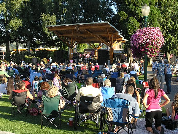 2010-08-12 Liquid Blue Band in Puyallup WA at Pioneer Park 001