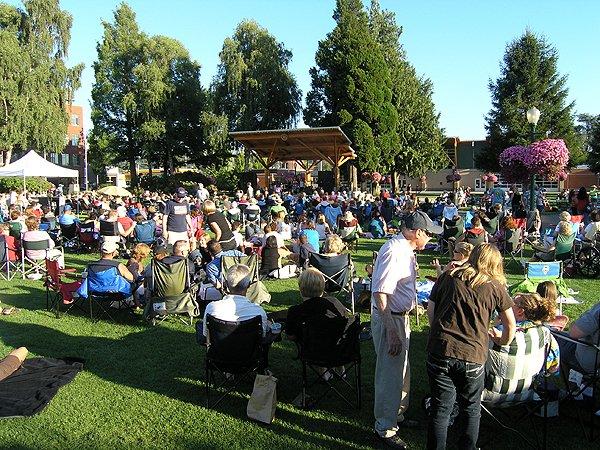 2010-08-12 Liquid Blue Band in Puyallup WA at Pioneer Park 002