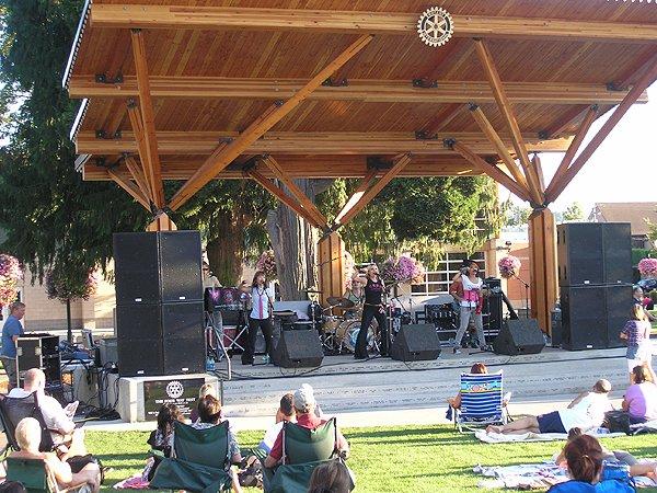 2010-08-12 Liquid Blue Band in Puyallup WA at Pioneer Park 004