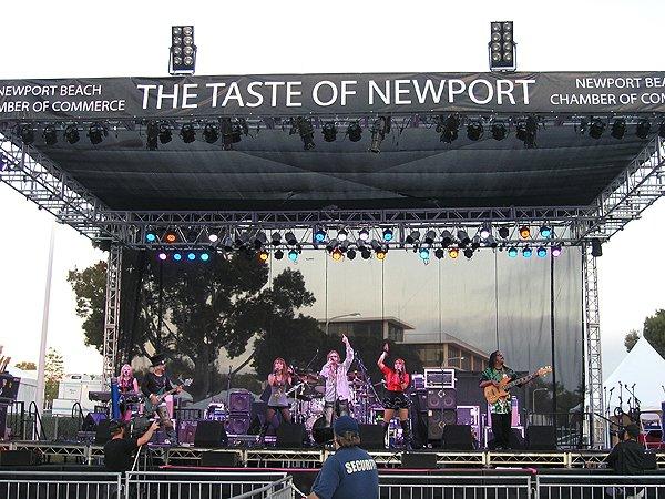 2010-09-17 Liquid Blue Band in Newport Beach CA at Taste of Newport 008