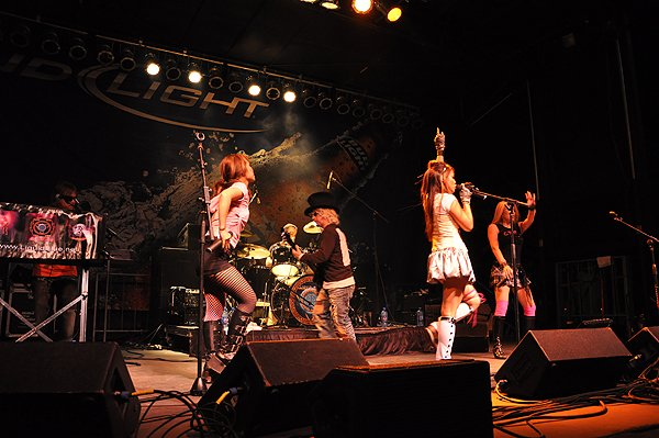 2010-09-18 Liquid Blue Band in Grapevine TX at Grapefest 009