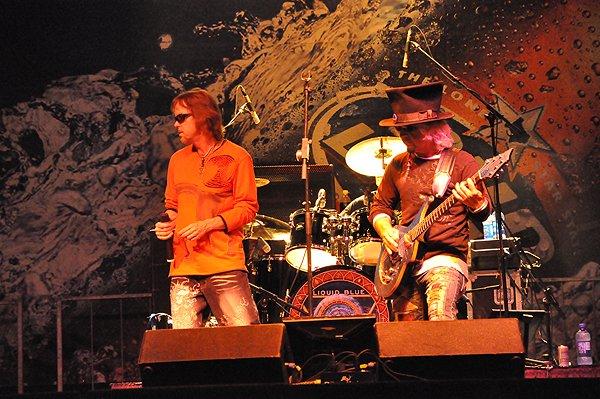 2010-09-18 Liquid Blue Band in Grapevine TX at Grapefest 040