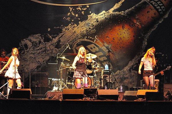 2010-09-18 Liquid Blue Band in Grapevine TX at Grapefest 045