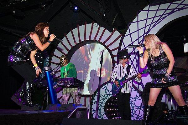 010-10-01 Liquid Blue Band in San Diego CA at Fluxx 013