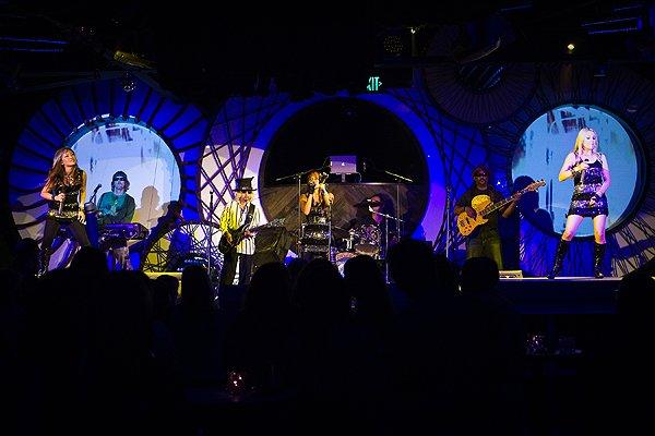 2010-10-01 Liquid Blue Band in San Diego CA at Fluxx 018